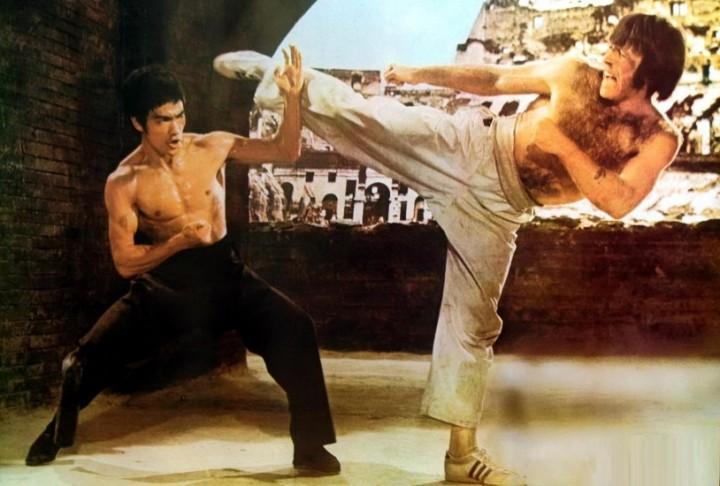 چاک نوریس در مقابل بروس لی در فیلم راه اپداه