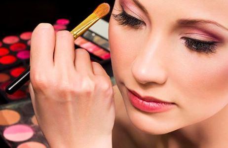 اشتباهاتی در آرایش که شما را مسن تر نشان می دهد