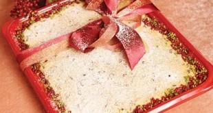 طرز تهیه کیک زرشک با کرم پاتی سیر